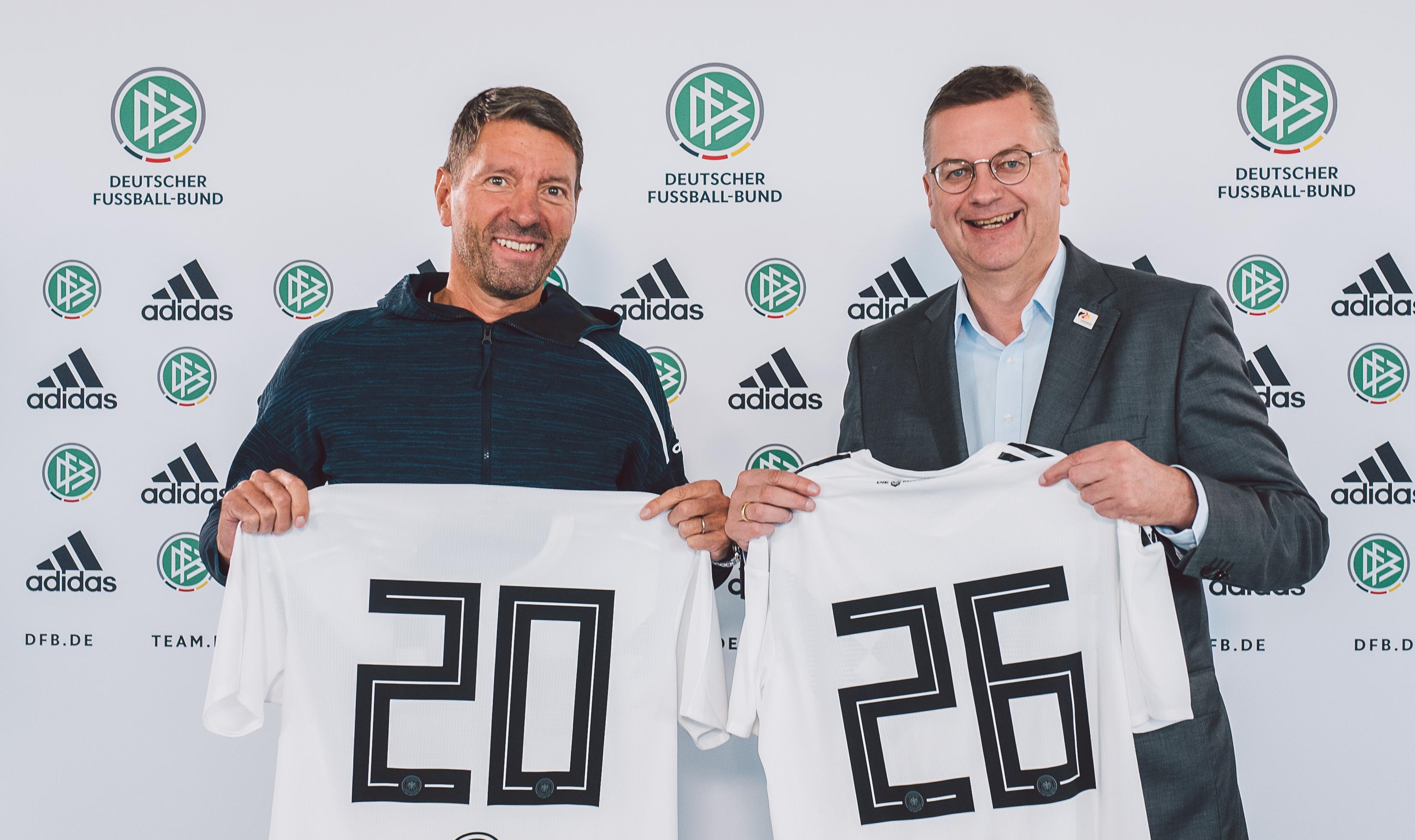 Fußball: DFB verlängert langfristig mit Trikot Ausrüster Adidas