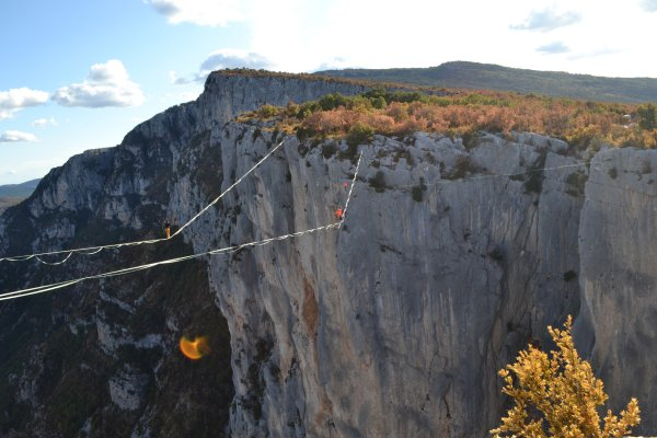 "Friedrich ""Friedi"" Kühne at his slackline world record in southern France."