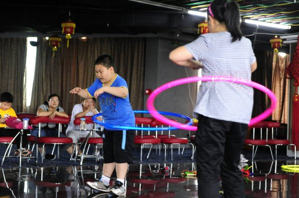 More and more children in China are in danger of obesity.