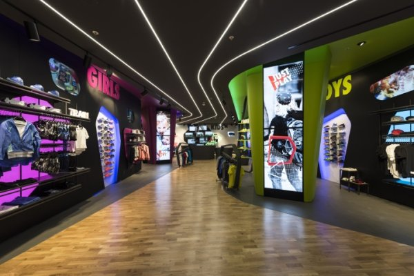 The sports shoe store Just Play in Verona was created in collaboration with Nike.