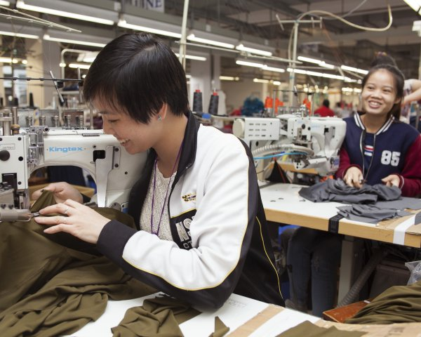 Fair Wear Foundation wants to improve the working conditions in the apparel industry.