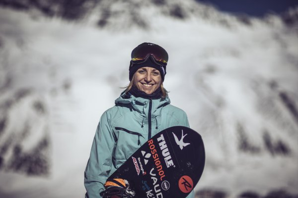 Partner of EOG and #itsgreatoutthere: Freeride ace Aline Bock.