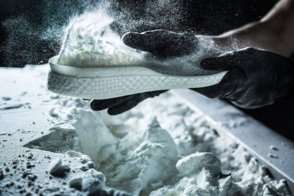 3D printer midsole: Adidas breaks new ground with the Futurecraft 4D. Soon, a custom-fit shoe can be made to your individual requirements within a day.