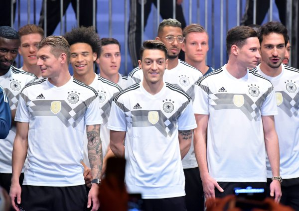 In November 2017, the DFB and supplier Adidas presented the new national team jersey.