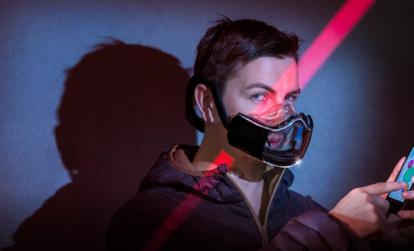 Microsfere's Athlete's Mask filters the breathing air and extracts data about the user's health.