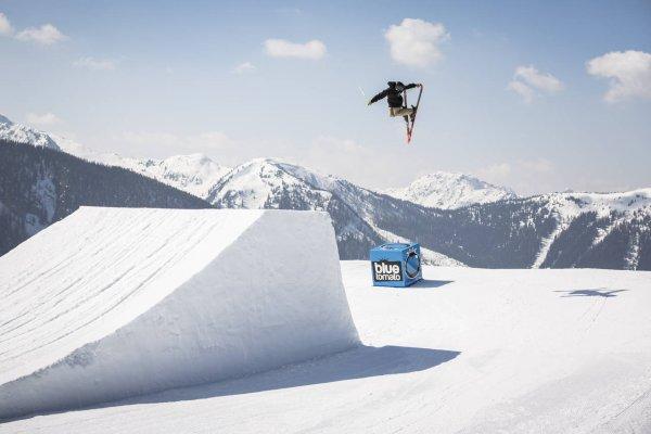 die besten snowparks f r freestyle snowboarder und. Black Bedroom Furniture Sets. Home Design Ideas