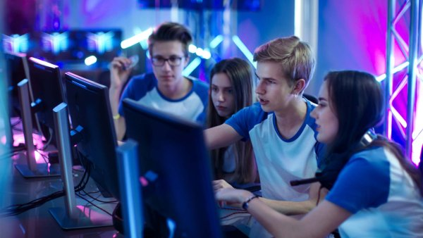 A young and exciting community: eSports.
