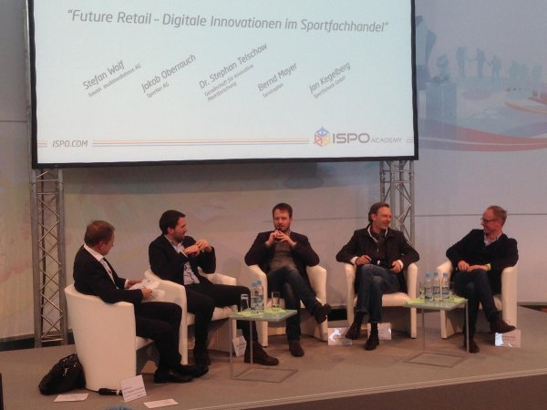 Jakob Oberrauch (CEO Sportler AG), Stefan Wolf (Head of Insights & Strategy, Medienagentur hmmh), Bernd Mayer (Serviceplan Consulting) and Jan Kegelberg (Chief Digital Officer at SportScheck). The discussion was moderated by Dr. Stephan Telschow (Corporate Director & Management Board GIM Gesellschaft für Innovative Marktforschung).