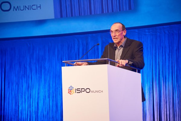 Bernd was CEO of backpack manufacturer Deuter Sport for 28 years: At ISPO MUNICH VIP Dinner, he made a speech in Gerlinde Kaltenbrunner's honor.