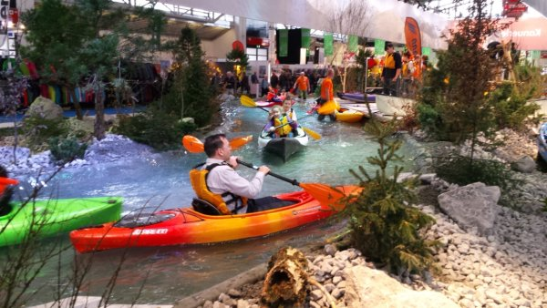 Kayaking at the f.re.e: One of the highlights of Bavaria's largest event and sales fair.