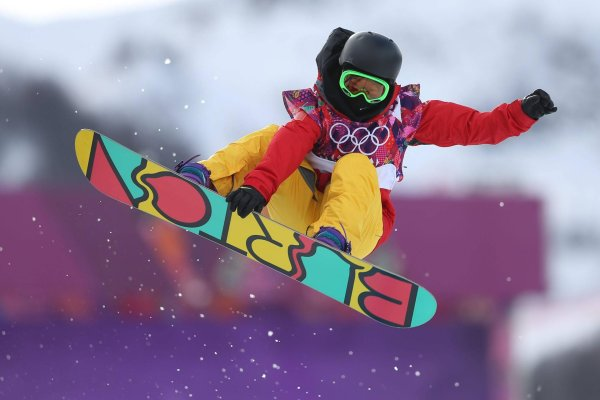 Snowboard attracts a lot of spectators at the winter olympics