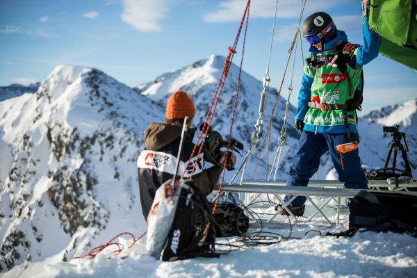 Johannes Schnitzer am Start der Freeride-World-Tour