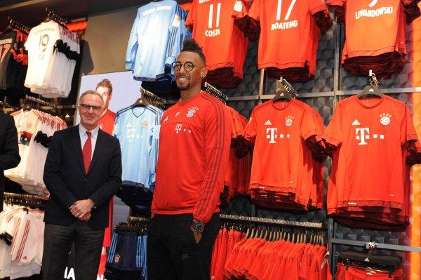 super popular 1daa6 e22ef Adidas is mad at FC Bayern