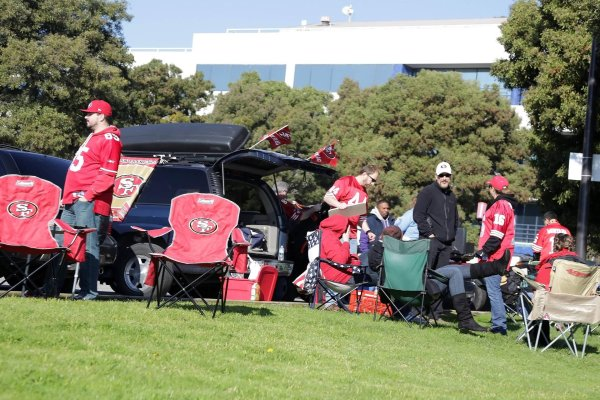 In the US, tailgating during NFL games is a fixed part of American culture