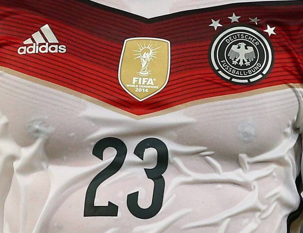 Adidas is still outfitter of the DFB – and thereby of the national team – until 2018.