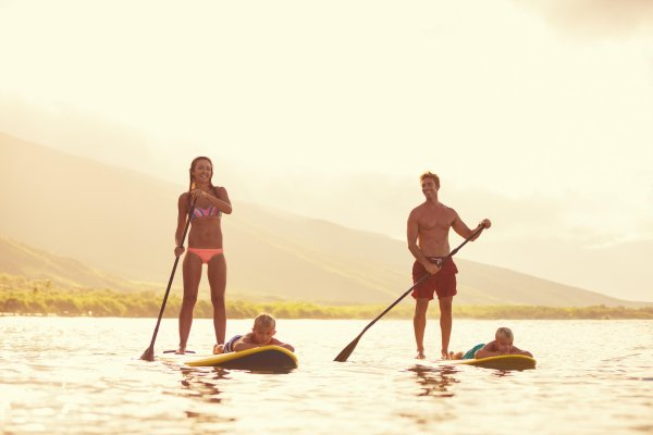 The younger generation like SUP as a means of transportation, too