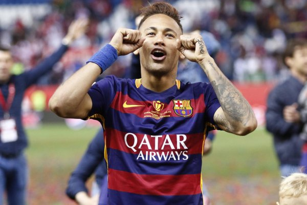 Neymar also continues to celebrate in his Nike shirt for FC Barcelona: The U.S. group extended the contract.