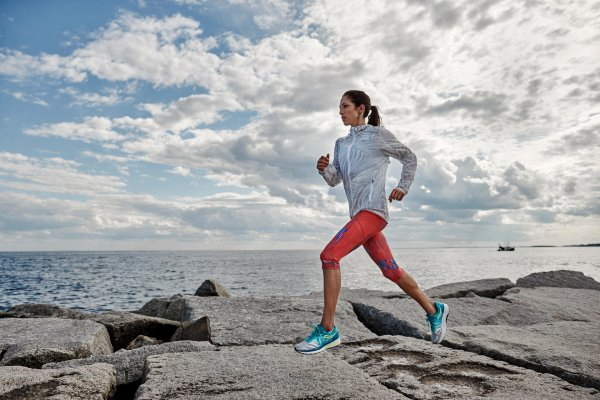 Varying training and running shoes can reduce the risk of injury