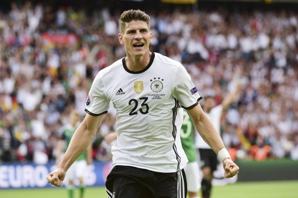 Reason to celebrate: Mario Gomez and his teammates get lush rewards starting at the quarter finals at Euro 2016.