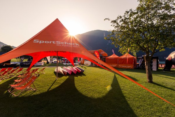 At SportScheck's OutdoorTestival in Trentino the latest products are tested.