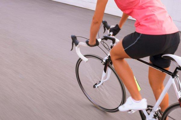 Rennrad kaufen für Frauen – worauf Sie achten müssen