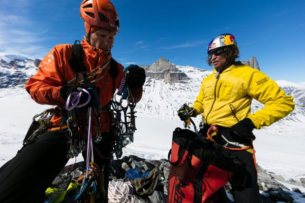 His last expedition led Stefan Glowacz (r.) to the Baffin Islands with Robert Jasper for extreme climbing.