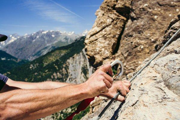 Klettersteig Bayern : Der kleine pursteinwand klettersteig auf den berg
