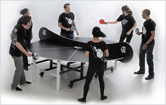 The round table tennis table of T3 Ping Pong makes it possible for six players to play together.