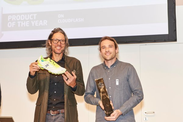 Olivier Bernhard (left) and Ilmarin Heitz are proud of the PRODUCT OF THE YEAR for On Running.