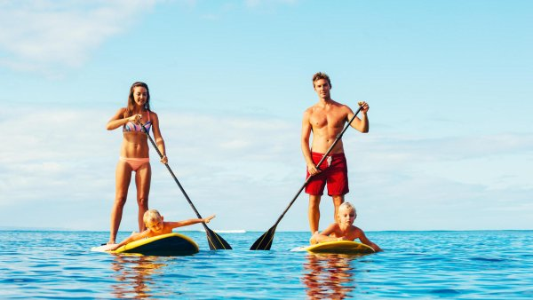 Stand-up paddling: fun for the whole family