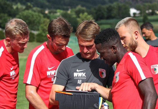 For players of the Bundesliga club FC Augsburg game analysis is part of the training routine.
