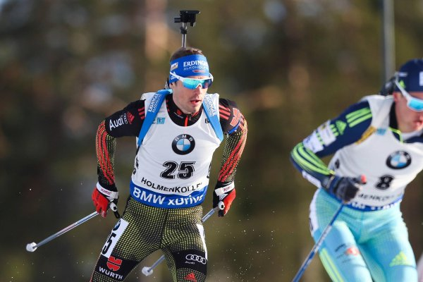 Still on the road in the World Cup with a headband and backpack by the Erdinger brewery: Simon Schempp, biathlon world champion in the mass start.
