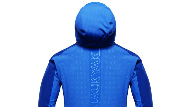 ...belongs to the MIDSHELL™ category and convinces with breathability and weather protection