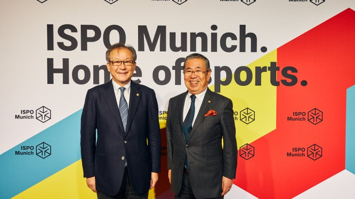 Motoi Oyama (Chairman and CEO ASICS Corporation), Hirotaka Miyaji (Lifetime Honorary Director, World Federation of the Sporting Goods Industry)