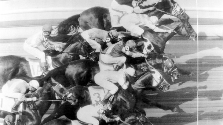 It can also be really tight in horse racing. At this finish at a tournament in Chicago in June 1963 the finish photo has to decide. All nine competitors are less than one horse length behind the final winner Penny O'Joe at the finish.