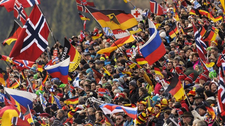 Fans jubeln in Ruhpolding