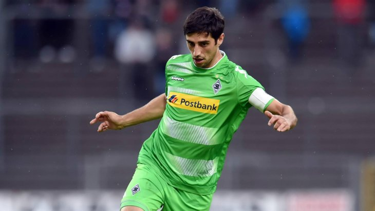Lars Stindl wearing the Postbank logo on his chest. Gladbach collects 9 million euros per year off of it.