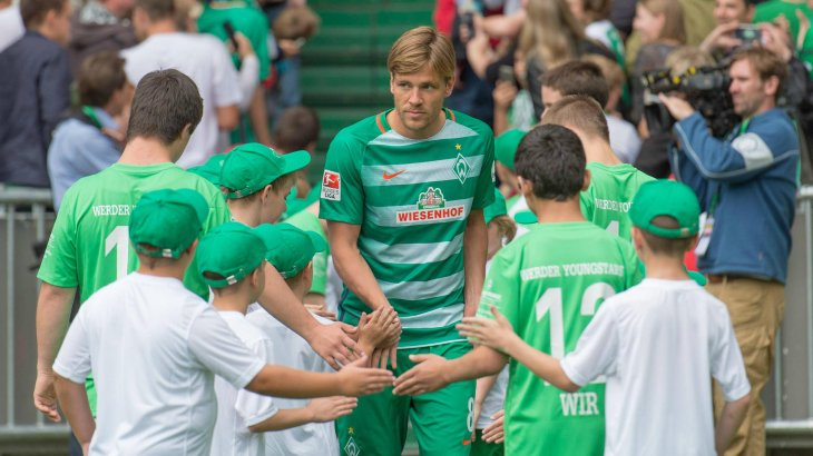 Sponsor Wiesenhof is not well-liked among many Werder Bremen fans. The poultry producer pays 6.3 million euros per year for the jersey sponsorship.