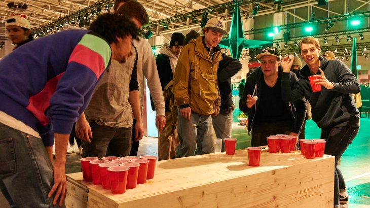 Beer Pong - a party classic that can not be missed in Hall B6.