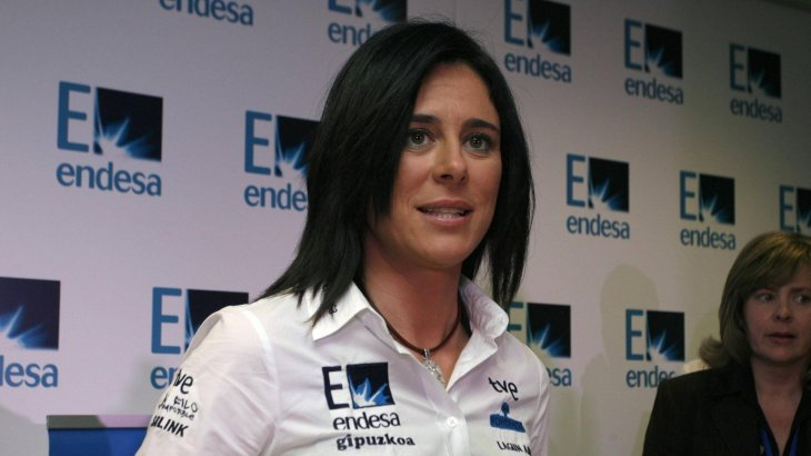 As the first woman ever, Edurne Passaban ascended all 14 eight-thousanders ( the expeditions by the Corean Oh Eun-Sun are not officially accomplished.) She lost 2 toes at the K2 because of frost-bite. In 2011 she was rewarded as athlete of the year in Spain.
