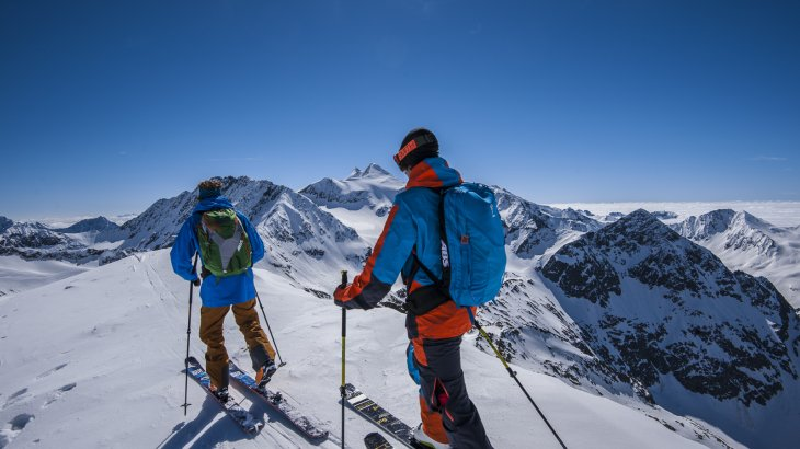 But the shining star of the outdoor-industry is the winter sports sector. Freeskiing, boarding or ice-climbing: for half a year these sports dominate the whole outdoor business and deliver figures.