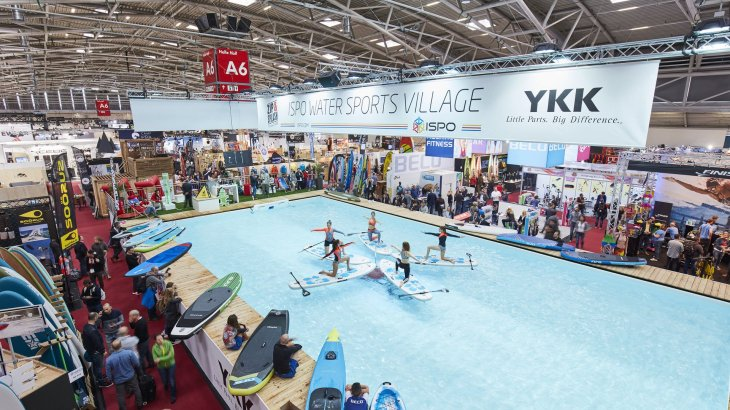 SUP is not only about racing and long-distance touring. Artistic paddling also took place at the ISPO Water Sports Village.