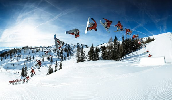Special highlights in the Absolut Park in Flachauwinkl are the halfpipe and the Burton Stash Park, where wooden obstacles are integrated into the natural terrain.