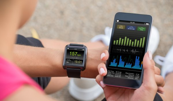 Trend 2, Wearables: The networking between Smartwatch, chest strap and smartphone is now working smoothly. So good that in the end only the smartphone and sensors in the clothing may soon be needed to analyze tracking data.