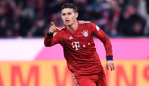 7. James Rodriguez: 41.07 million followers James Rodriguez has made it into the Top 10 as the sole active Colombian athlete in Germany. The FC Bayern Munich midfielder is a superstar in South America. No wonder he writes his postings in Spanish - even when it comes to success with Bayern München.