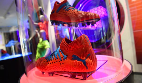 3. Puma: 9.36 million follower Full influencer power ahead at puma! With Selena Gomez, the company from Herzogenaurach has an instagram-institution (147.6 million followers!) as its driving force. In addition, there are big names such as Antoine Griezmann, Borussia Dortmund and, most recently, the company's NBA comeback, which should give the US market some tailwind.