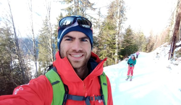 "Calum - Hot ski touring in Aravis: ""The Jacket breathes and vents nicely, I haven't felt really sweaty when skinning, even on a 1000m+ day in the blazing sun."""