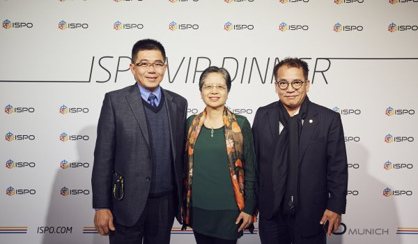 Paul Yang (Director TSMA), Catherine Wang (President TSMA) und George Wood (President TBS Group Corporation)