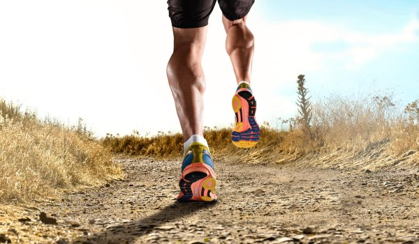 To choose the optimal trail running shoes is not as easy as it seems. One has a wide variety of different options. First of all you need to ask yourself: What type of runner am I?