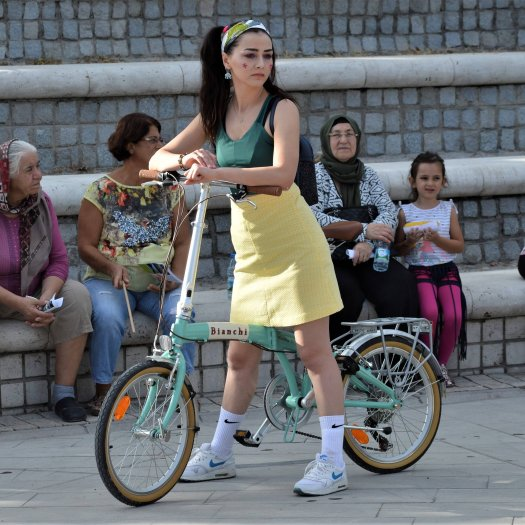 Teilnehmerin am Fancy Women Bike Ride